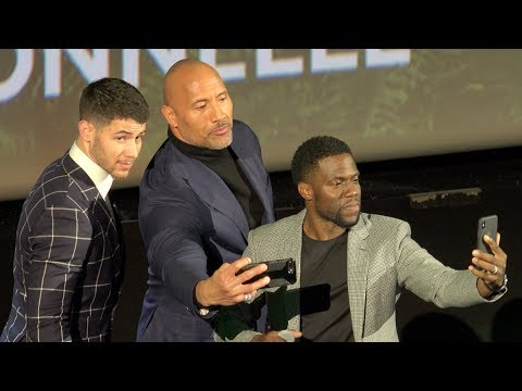 Jumanji - Paris premiere - Dwayne Johnson (The Rock), Kevin Hart (Le Grand Rex, 5/12/17)