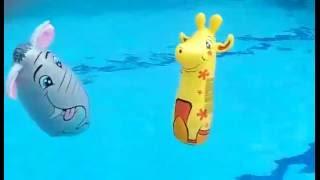 Жираф, слон плавают в бассейне.Игра в воде. Видео для детей(, 2016-06-14T00:31:30.000Z)