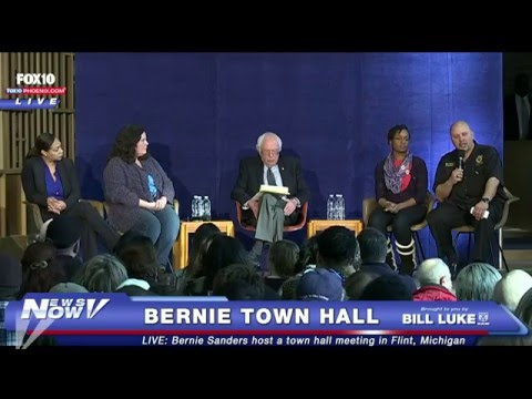 Flint Residents OUTRAGED About Water Crisis at Bernie Sanders Town Hall
