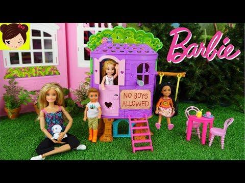 Barbie Chelsea No Quiere Jugar con los Niños en su Casa de Arbol - Historias con Muñecas