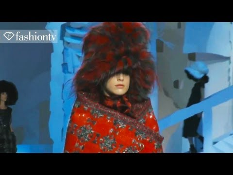 marc-jacobs-fall/winter-2012/13-show-at-new-york-fashion-week-nyfw-|-fashiontv