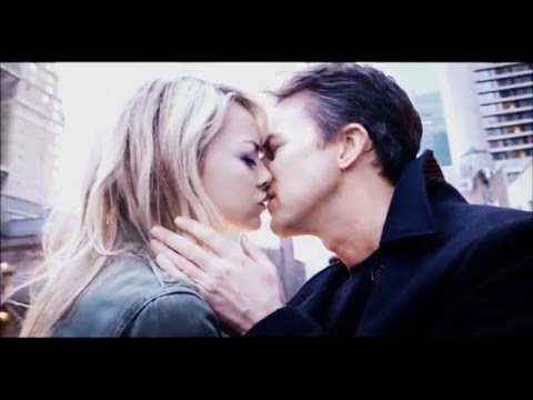 First Kiss // Birdman (2014) Edward Norton + Emma Stone