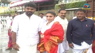 Nayanthara And Vignesh Shivan Visits Tirumala Tirupati | NTV Entertainment
