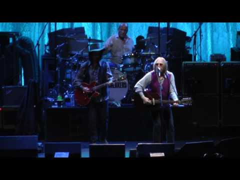 Tom Petty And The Heartbreakers - Into The Great Wide Open (Philadelphia,Pa) 7.1.17