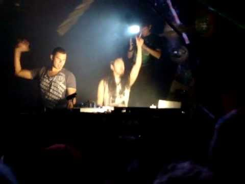 Steve Aoki & Tiesto - Tornado @ Tomorrowland 2011 HQ
