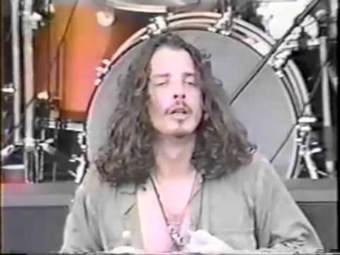 Soundgarden - Outshined (Live)