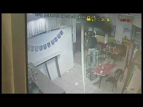 Разбойное нападение совершено в кафе на Бору