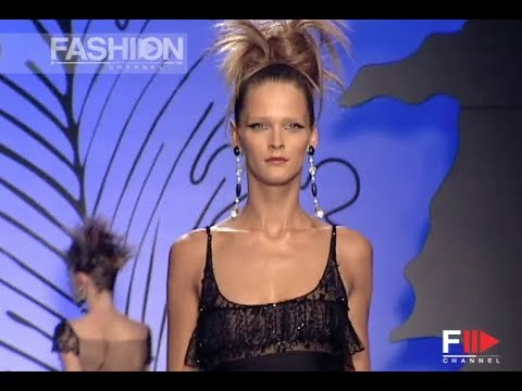VALENTINO Fall Winter 2001 2002 Haute Couture Paris – Fashion Channel