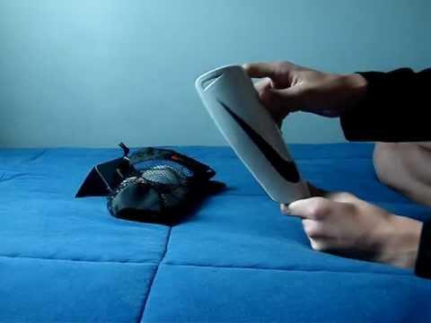 Review Caneleira Nike Mercurial Lite - YouTube 117523c3dbbe4