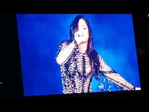 """Demi Lovato, """" Kingdom Come """" 04-02-2017 Live in Dubai"""