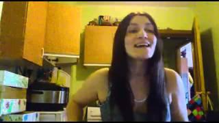 Сестра поет песню Наталии Орейро Me Muero De Amor