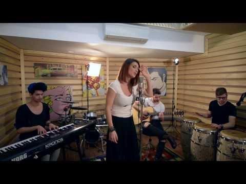 Ellie White - Privirea Ta (Acoustic)