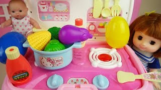 Baby doll and Hello Kitty Kitchen car surprise eggs and food toys play