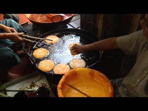 Рецепт Приготовление Jalebee в кондитерской Мумбаи Индия
