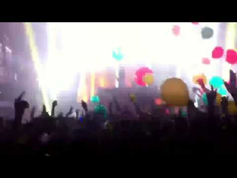 Major Lazer - Terminal 5 NYC (10/27/2012) - Halloween Party Pon De Floor (HD)