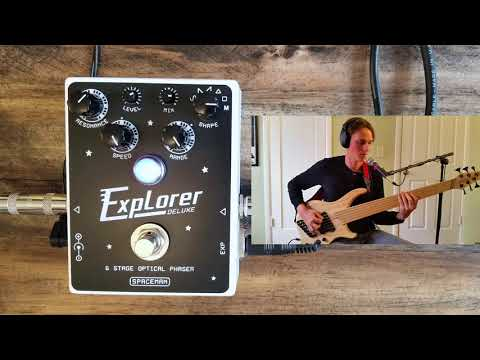 Spaceman Effects Explorer Deluxe Phaser (bass demo)