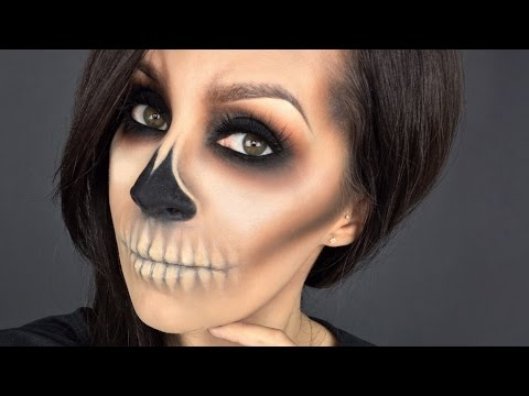 Blended Skull minimal product l Halloween makeup tutorial