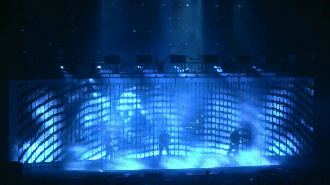 Nine Inch Nails - Ghosts 31 - Live in St Louis - 8.20.08 - YouTube