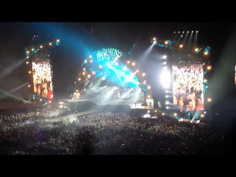 AC/DC - Shoot to Thrill  (Rock or Bust Tour)