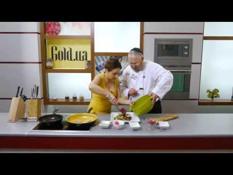 Рецепт Даша Малахова новогодний салат с гранатом и клубничный коктейль