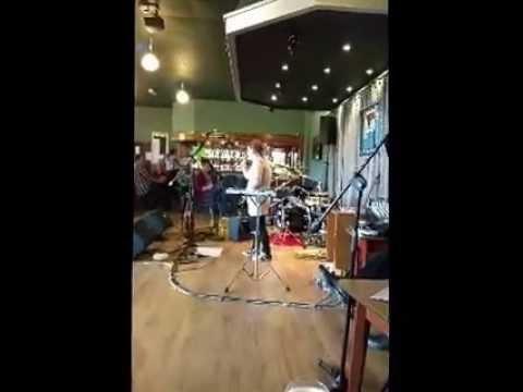 Kelly Stewart Singing At The Two Gates Club Darwen Live 2015