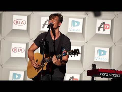 Tyler Ward - LIVE - VidCon 2015