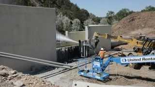 Система для гидроразрушения бетона от компании StoneAge(Видео демонстрирует работу системы Blackhawk BHK-100 от компании StoneAge. Наглядно показано применение системы Blackhawk..., 2015-10-06T08:32:32.000Z)