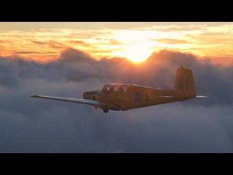 Saab Safir beautiful air-to-air cloud surfing!