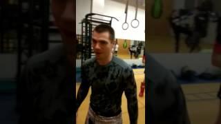 Александр Ануфриев 37 подтягиваний при весе 90 кг