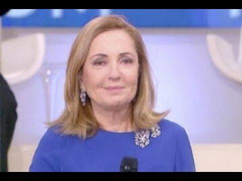 Barbara Palombelli A Non E La Rai In Motorino E Capelli Cotonati Foto Youtube