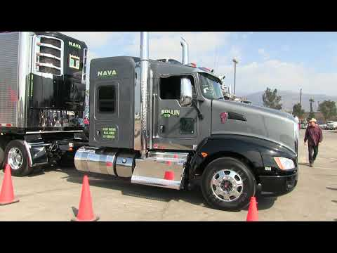 Nava Rollin' R Kenworth T660 And Polished Great Dane Reefer At Truckin' For Kids 2018