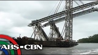 Barge ends up in Zambales beach after Glenda