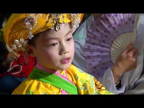 Thần đồng hầu bóng Việt 9 tuổi Nguyễn Tuấn Hoàng  - Hầu giá Vương Cô đệ nhị