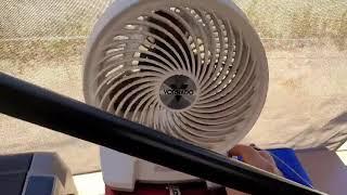 야외에서 220V로 선풍기 돌리면서 12V 시거잭에 냉…