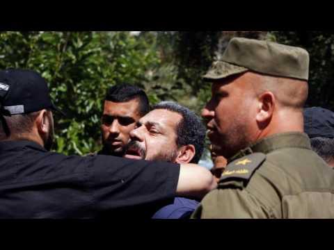 News Update Gaza Palestinians: Hamas kills three 'collaborators' 25/05/17
