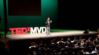 Los videojuegos enseñan mejor que la escuela: GONZALO FRASCA at TEDxMontevideo 2012