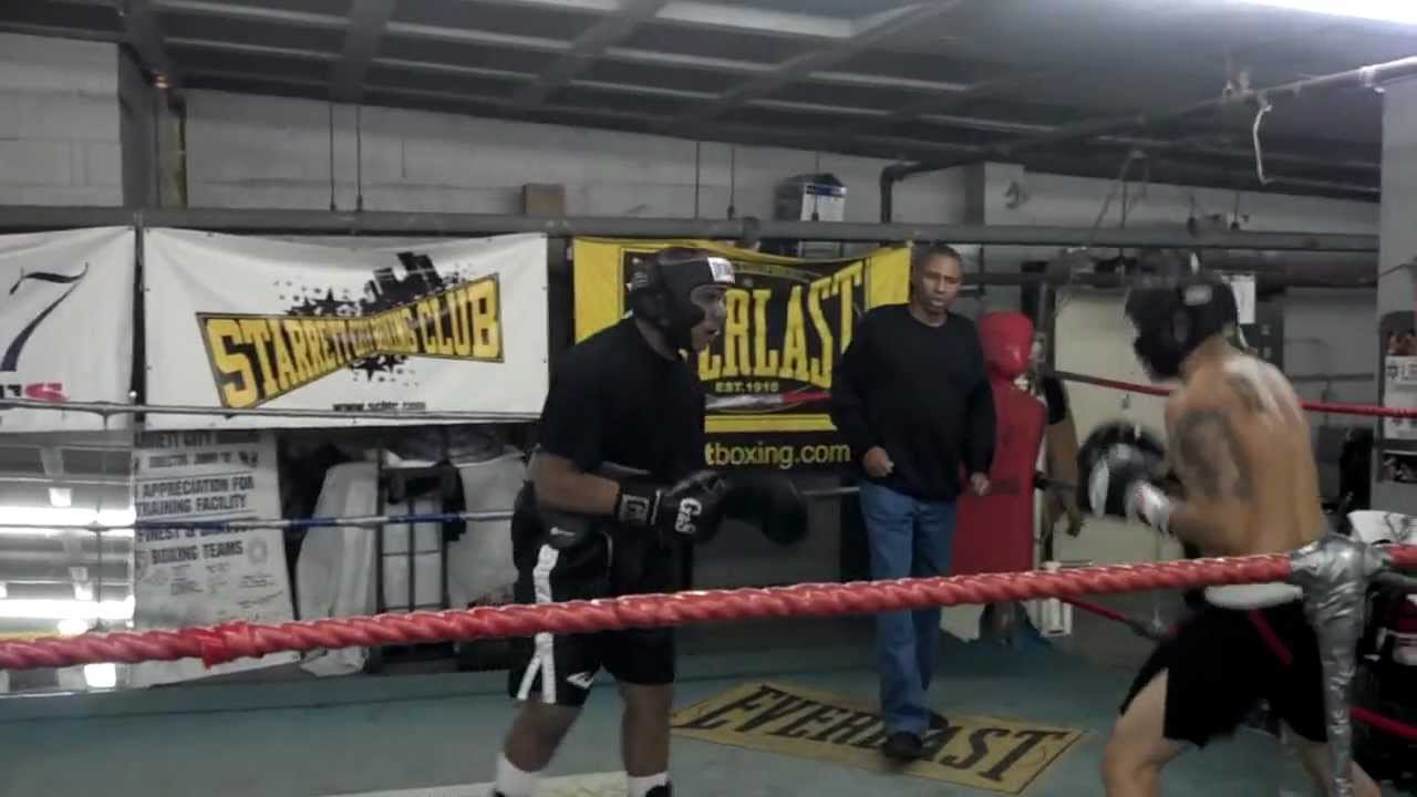 Robert Vega Jr  - Starret City Boxing Gym Brooklyn, New York mov
