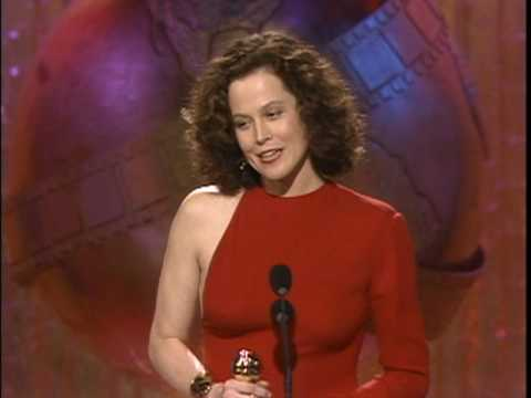 Sigourney Weaver Wins Best Supporting Actress Motion Picture  Golden Globes 1989