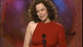 Sigourney Weaver Wins Best Supporting Actress Motion Picture - Golden Globes 1989