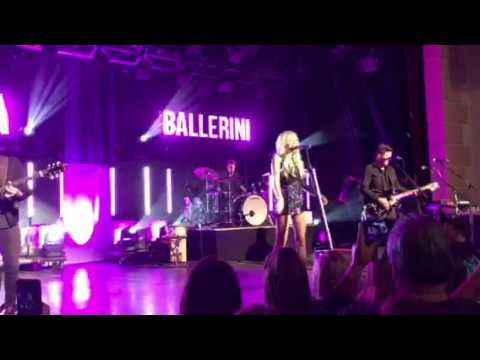 Yeah Boy  Kelsea Ballerini   in Atlanta