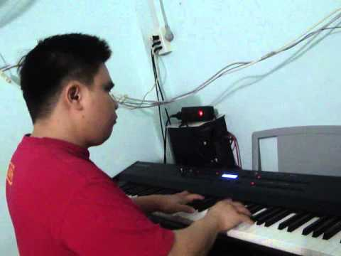 O me ly - Quoc Dat Blind Pianist