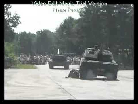 VW Tiguan Vs. Leopard 2 - Total Crash