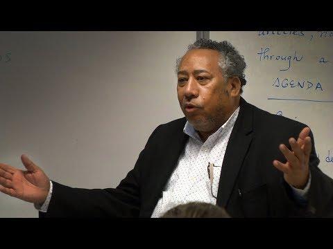 Poet Cesar Sanchez Beras visits AP Spanish class