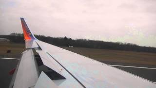 Southwest Airlines Boeing 737-700 Landing @ Bradley International Airport