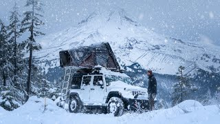 Solo Winter Camping thr๐ugh a Snow Storm - Life out of my JEEP