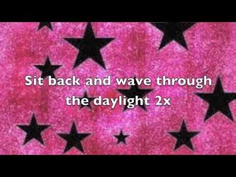 Matt and Kim- Daylight Lyrics