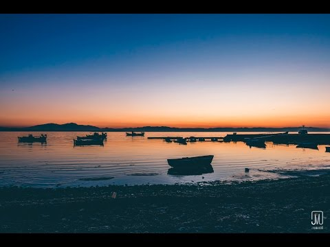 Boats and lovebirds in sunset | 4k Videography