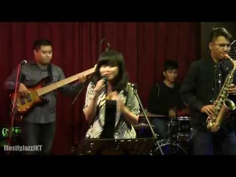 YURA - Keruh Di Air Jenuh @ Mostly Jazz 15/05/14 [HD]