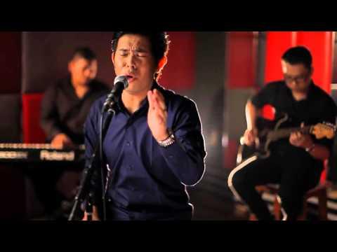 Cakra Khan - Opera Tuhan   MyMusic Plug n' Play ( accoustic version )