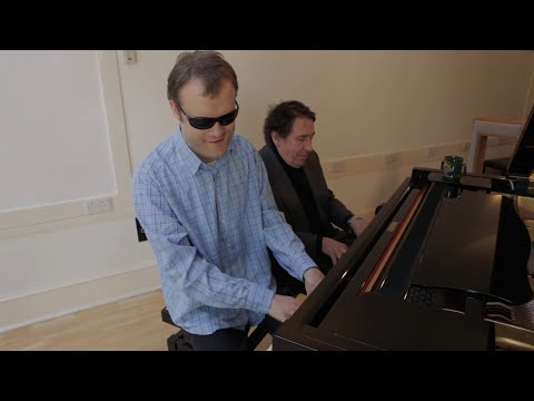 Wow - watch Jools Holland and blind savant genius Derek Paravicini finger busting at the piano!